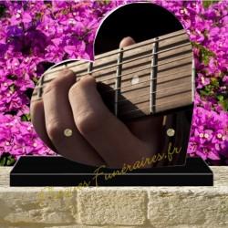 PLAQUE FUNÉRAIRE COEUR PLEXI GUITARISTE 00804